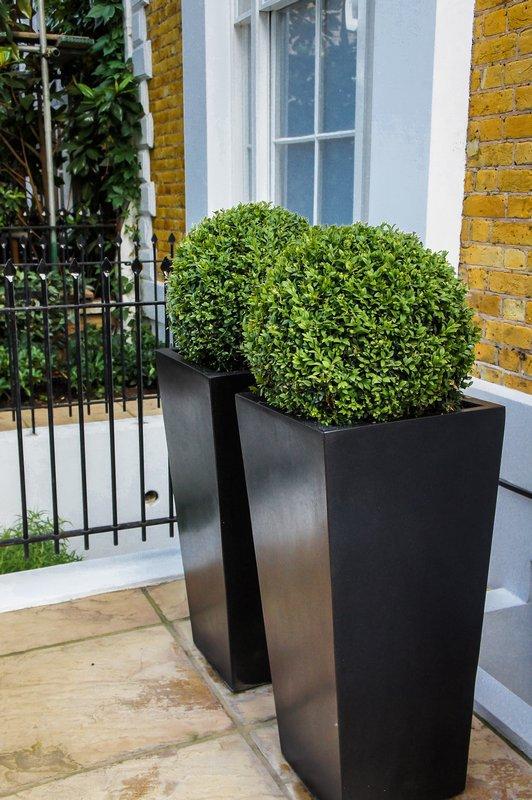 Bespoke planters metal planters custom window boxes for Contemporary garden planters